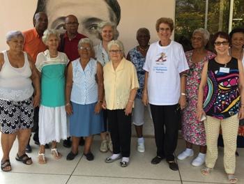 Representantes de varias organizaciones participantes